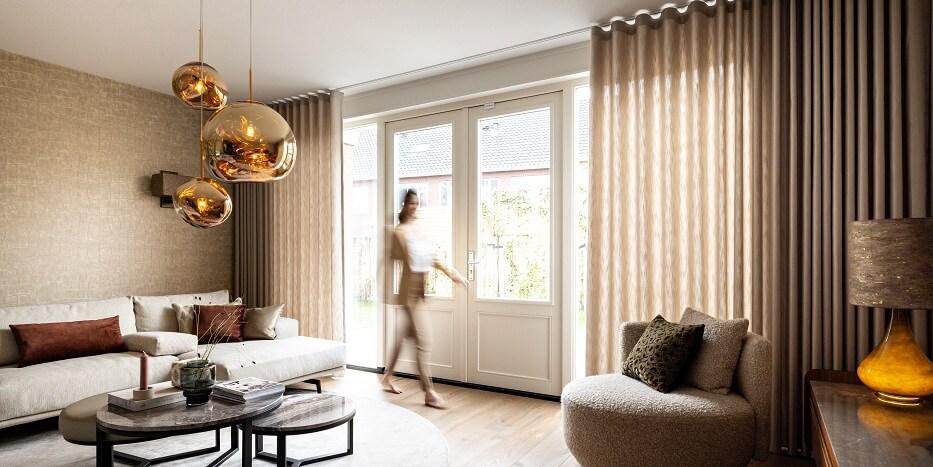 de rolgordijnen van veneta staan altijd perfect in ieder interieur