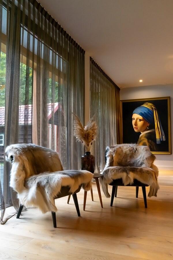 Witte vitrage woonkamer