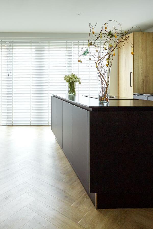 Woonkamer Ideeen Zwart.Zwarte Keuken Inspiratie Tips Foto S Van Rtl4 Veneta Com
